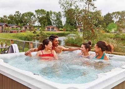 Hoseasons hot tub escapes