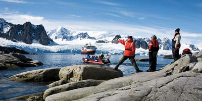 cruise antarctica with hurtigruten