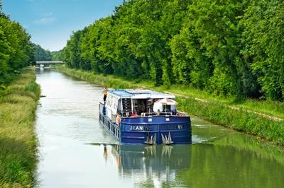 meander along french canals - croisieurope